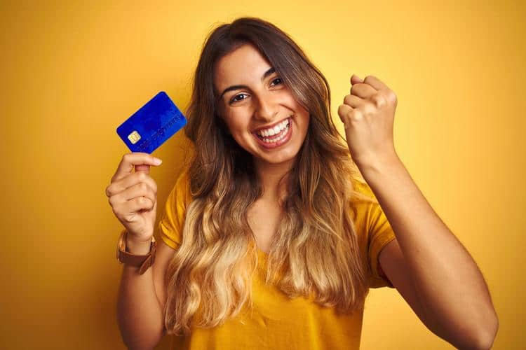 How to establish good credit with first credit card